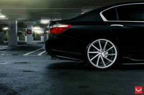 Honda Accord | CVT - Metallic Silver - E: 20x9 / H: 20x10.5