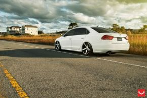 VW Passat VVS-CV3 - Matte Black Machined - E: 20x9 / H: 20x10.5