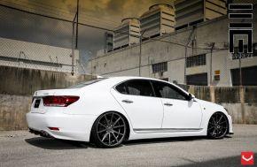Lexus LS | VFS1 - Matte Graphite - E: 22x9 / H: 22x10.5