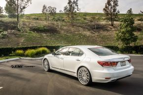 Lexus LS | VFS2 - Silver Polished - E: 22x9 / H: 22x9