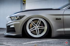 FORD MUSTANG GT | LC-102
