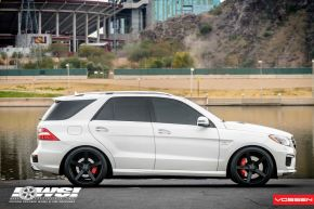 Mercedes Benz ML | CV3 -  E: 22x10.5 / H: 22x10.5