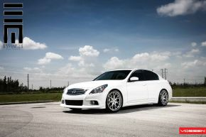 Infiniti G37 | CV2 - Matte Silver Machined / Stainless Lip - E: 20x9 / H: 20x10.5